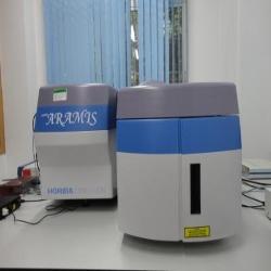 显微拉曼光谱仪
